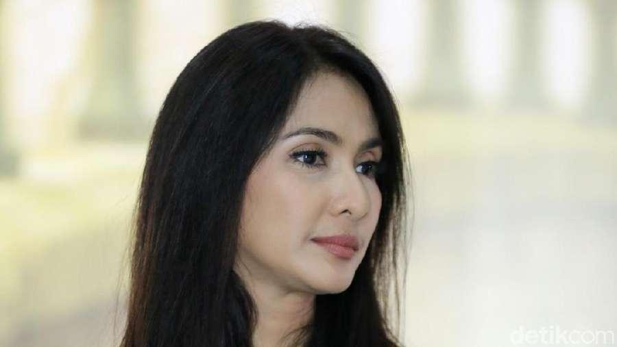 Makin Semangat, Lihat Manisnya Maudy Koesnaedi!