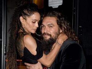Potret Mesra Aktor Aquaman dan Istrinya yang Lebih Tua 12 Tahun