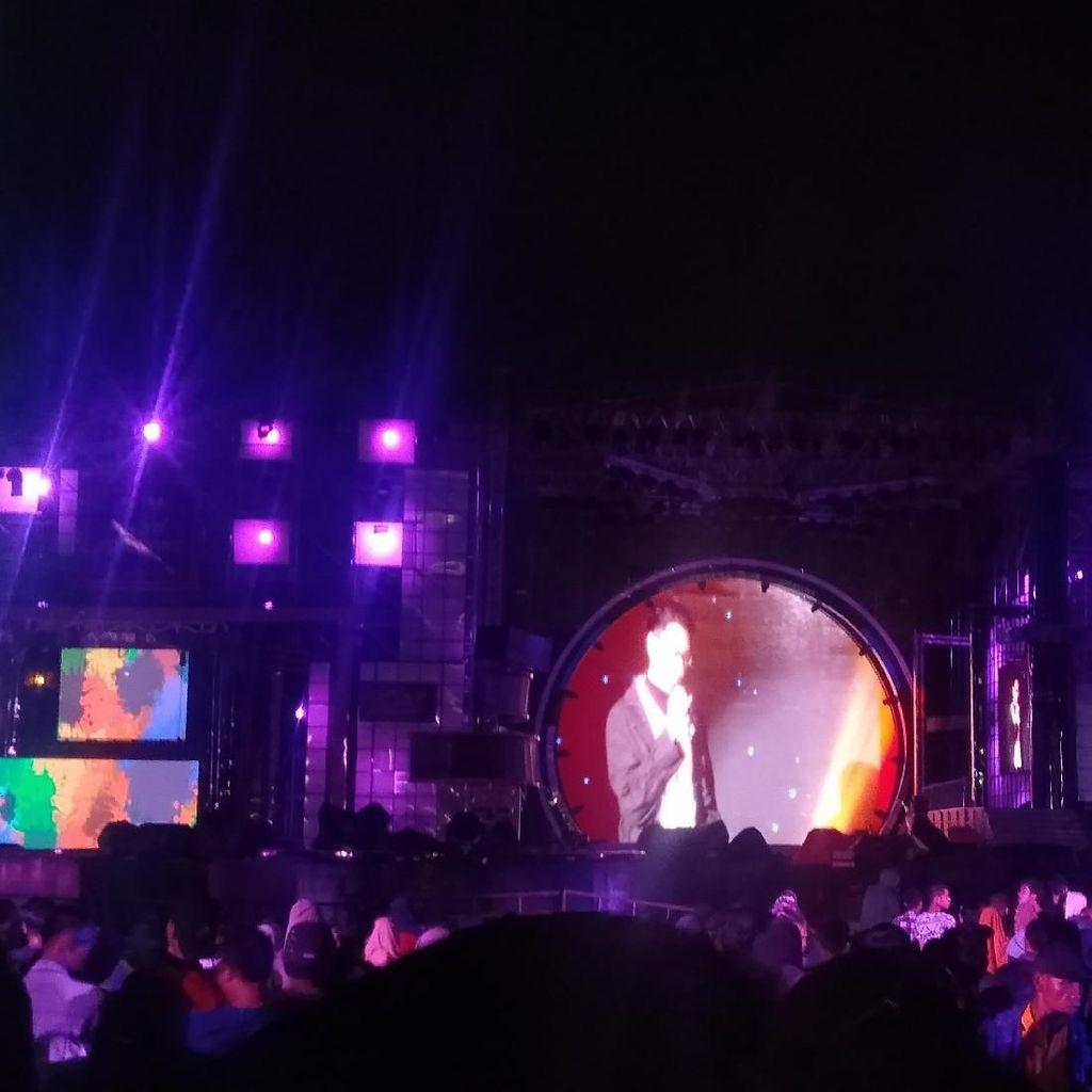 T-Five Jadikan Malam Nostalgia Makin Kental di Sweet 17 Transmedia