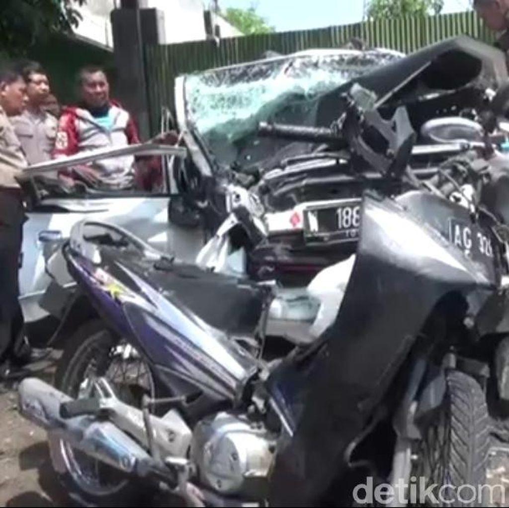 Mobil Diplomat Australia Kecelakaan Beruntun, 7 Orang Terluka
