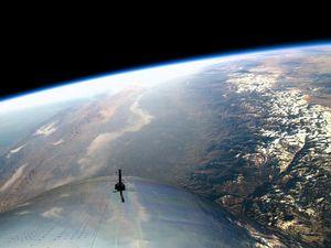 Hebat! Pesawat Supersonik Virgin Galactic Tembus Tepi Angkasa