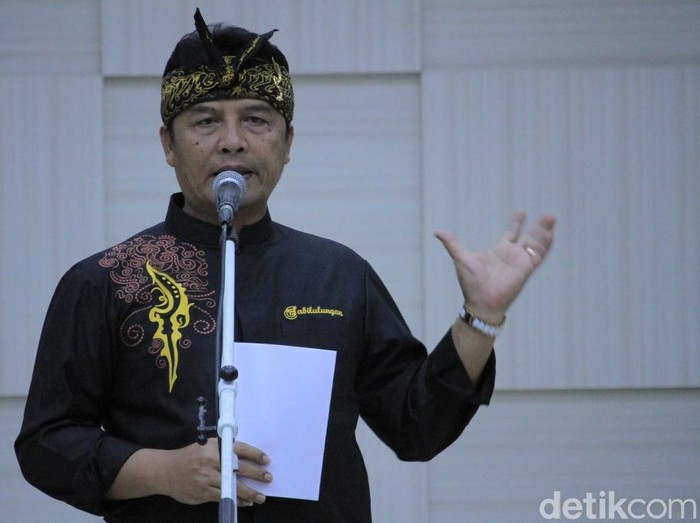 Bupati Bandung Dadang M Naser