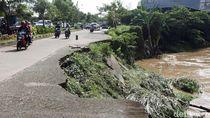 Miris, Jalan Longsor di Bekasi Sudah Setahun Terbengkalai