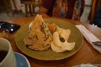 Nasi goreng ikan asin (Shinta/detikTravel)