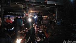 Terendam Banjir, Puluhan Sepeda Motor Mogok di Jalan Inspeksi Kalimalang
