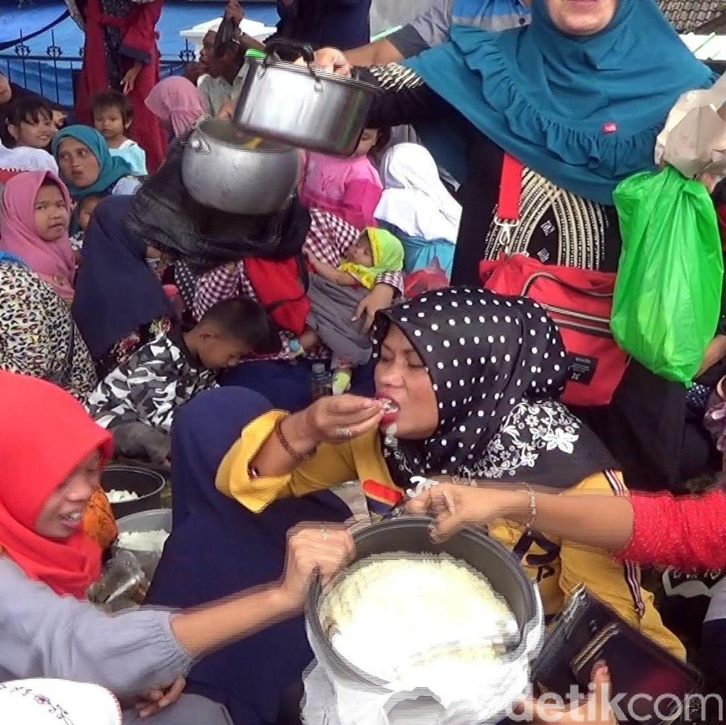 Warga Rayakan OTT Bupati Cianjur, Sosiolog: Persis Saat Orba Jatuh Tapi...