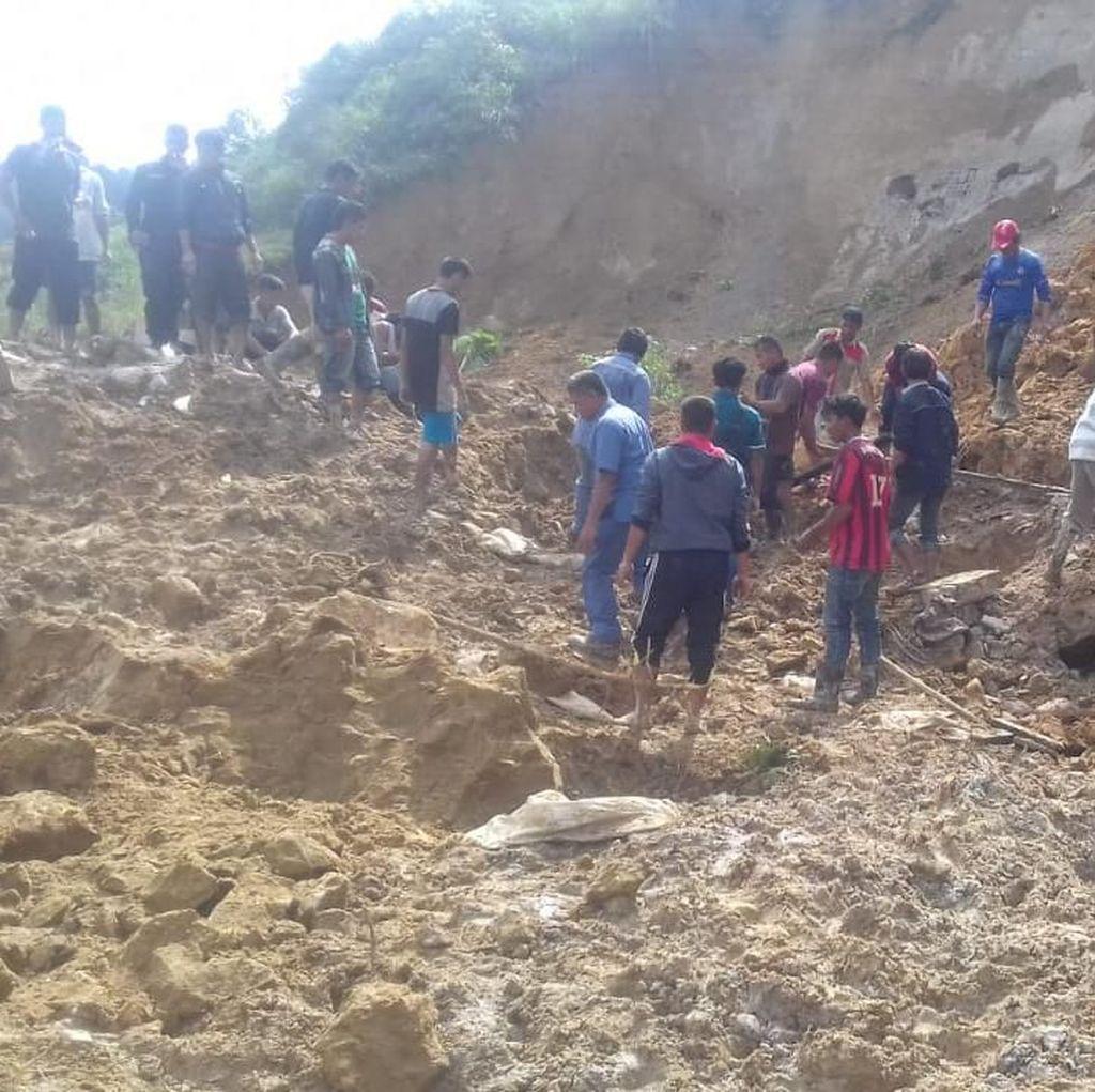 Petugas Masih Cari 2 Korban Longsor di Toba Samosir