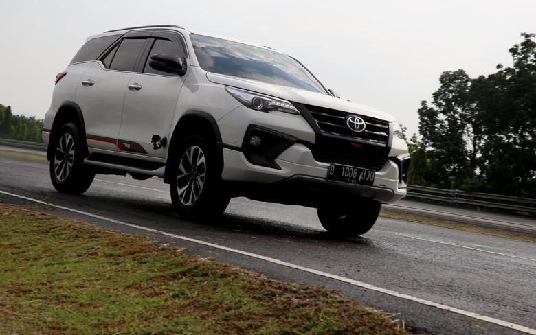 Toyota Fortuner. Foto: Rachman Haryanto