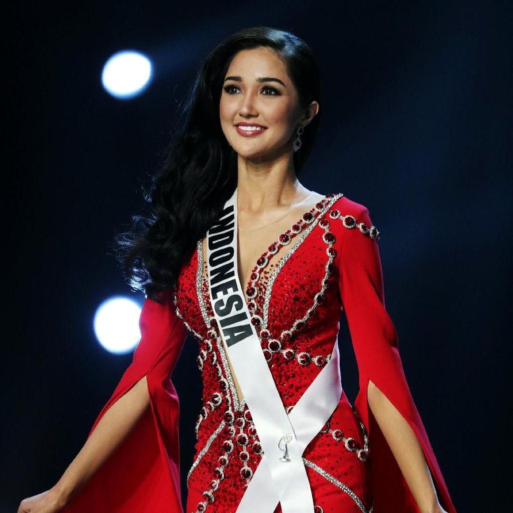 Foto: Penampilan Memikat 15 Finalis Miss Universe 2018 Bergaun Malam