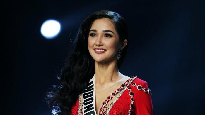 Miss Universe Indonesia Sonia Fergina Citra. Foto: REUTERS/Athit Perawongmetha