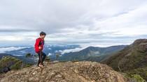 Foto: Aksi Bocah 11 Tahun Daki 7 Gunung Tertinggi di Indonesia