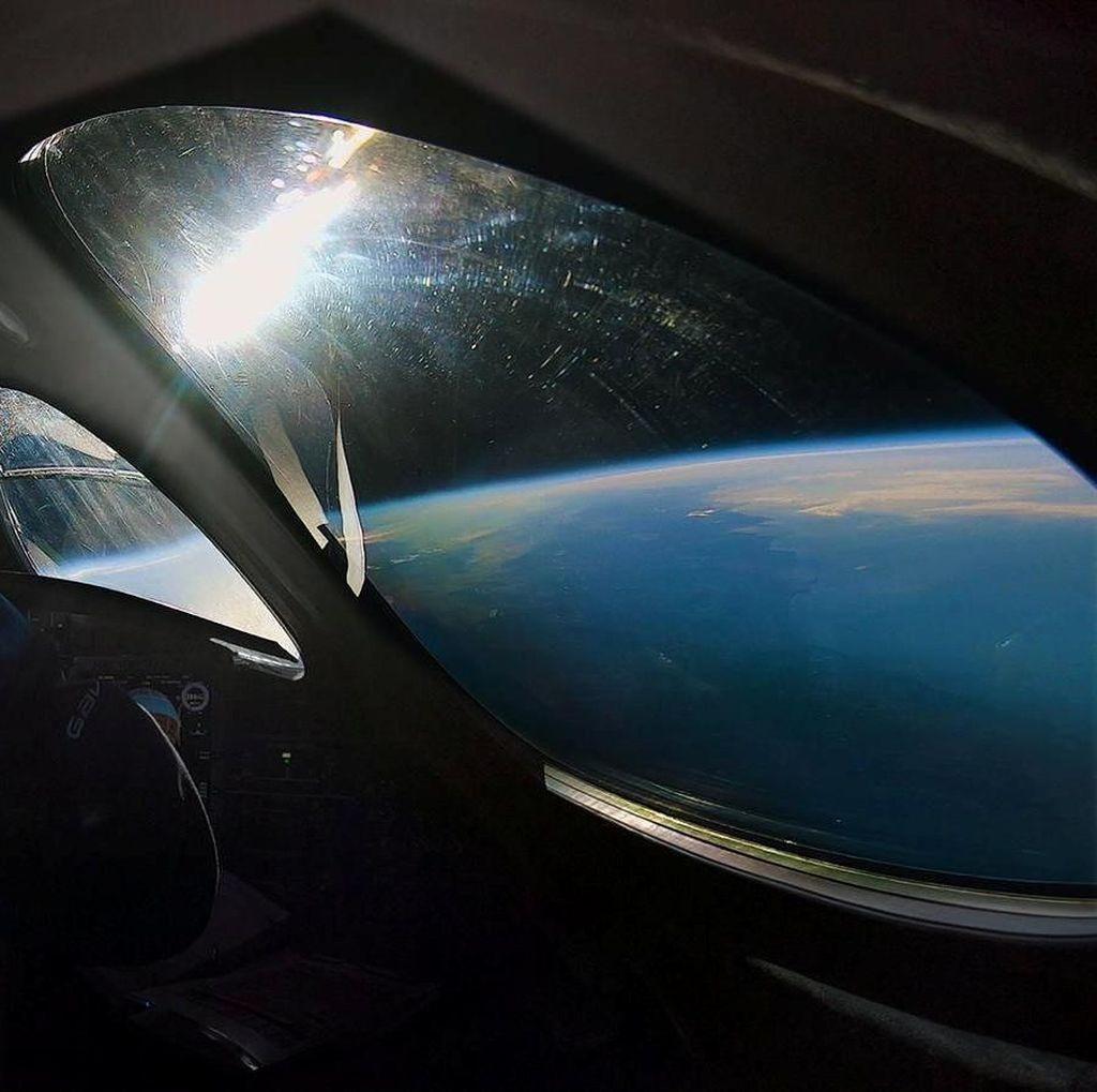 Capai Tepi Angkasa, Pesawat Virgin Galactic Rekam Pesona Bumi