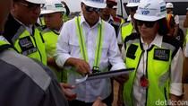Pakai Kacamata Hitam, Menhub Cek Proyek Bandara Kulon Progo