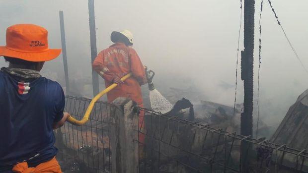 Rumah Tinggal di Penjaringan Terbakar, 9 Unit Damkar Dikerahkan