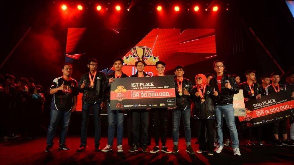 Tim e-Sport SMAN 7 Bandung Jagoan di Kompetisi eSport Nasional