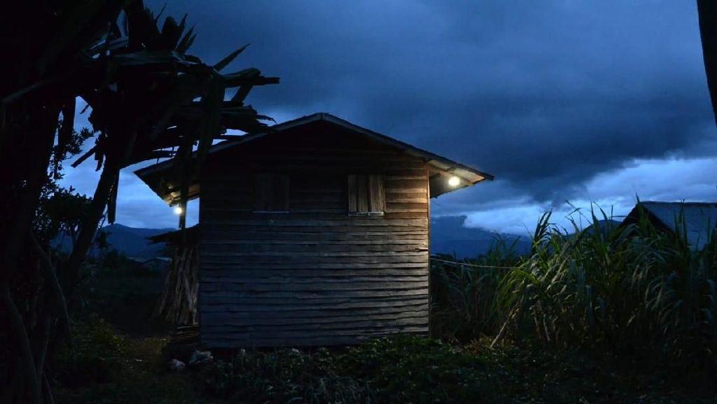 Pemerintah Mau Terangi 98.481 Rumah Pakai Lampu Surya