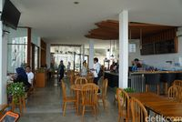Suasana kafe saat siang hari (Shinta/detikTravel)