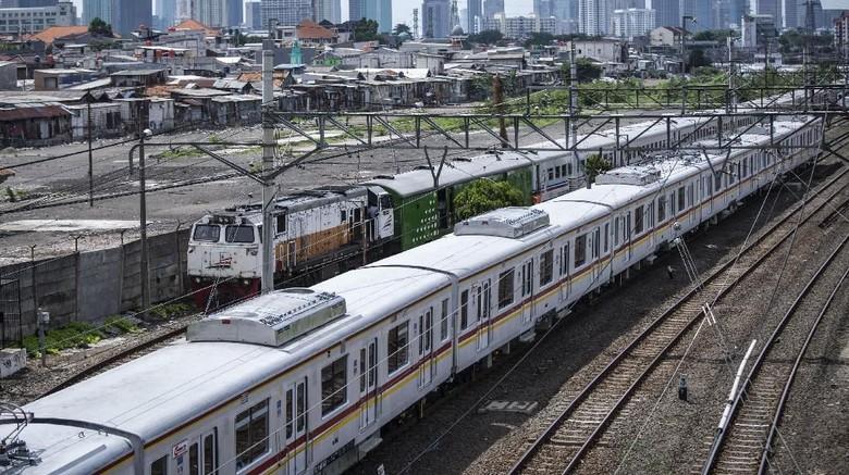 Masalah Sinyal di Gambir, KRL Jakarta Kota-Manggarai Sempat Terganggu