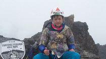 Rahasia Bocah 11 Tahun Mendaki 7 Puncak Tertinggi Indonesia