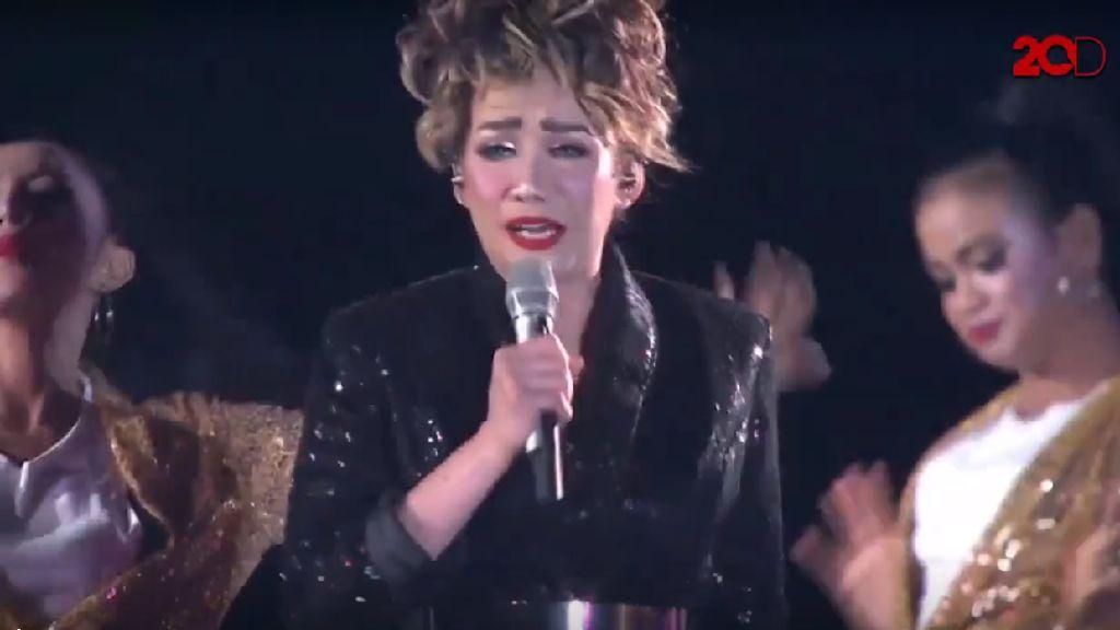 Nyanyi Bareng Reza Artamevia di Sweet 17 Transmedia