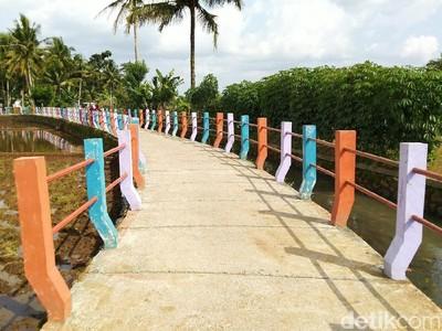 Ada Jembatan Pelangi yang Instagramable di Ciamis
