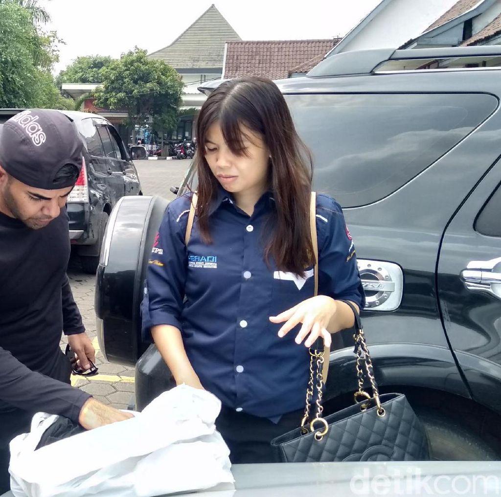 Dibui di Bandung, Pencukur Rambut Asal Irak Hirup Udara Bebas