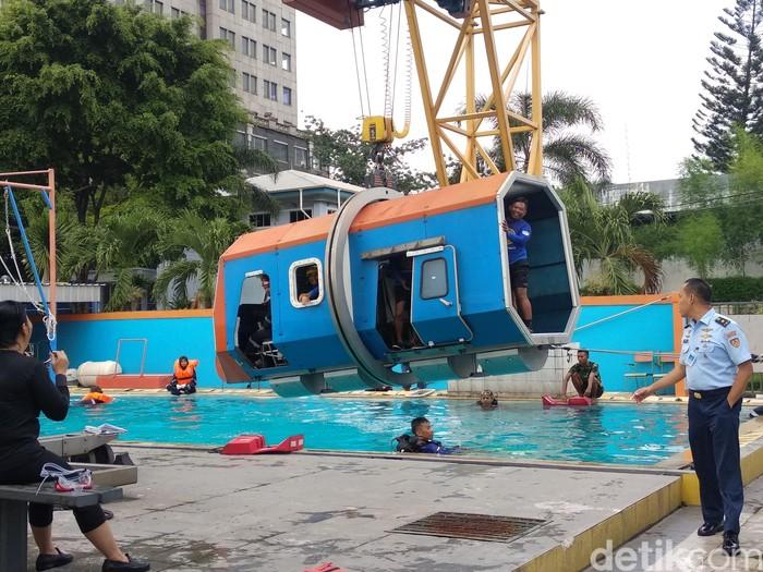 Simulasi pesawat jatuh ini ada di Lembaga Kesehatan Penerbangan dan Ruang Angkasa (Lakespra) Saryanto, Jakarta Selatan. (Foto: detikHealth)