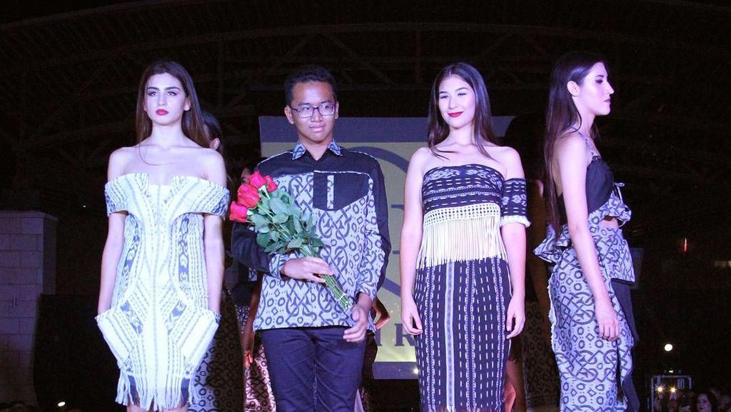 Karya Desainer Rafi Ridwan di Sweet 17 Transmedia
