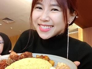 Sering Main di Drama Korea, Begini 10 Keseruan Yannie Kim Saat Kulineran