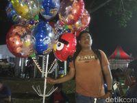 Nurwali (32) pedagang balon
