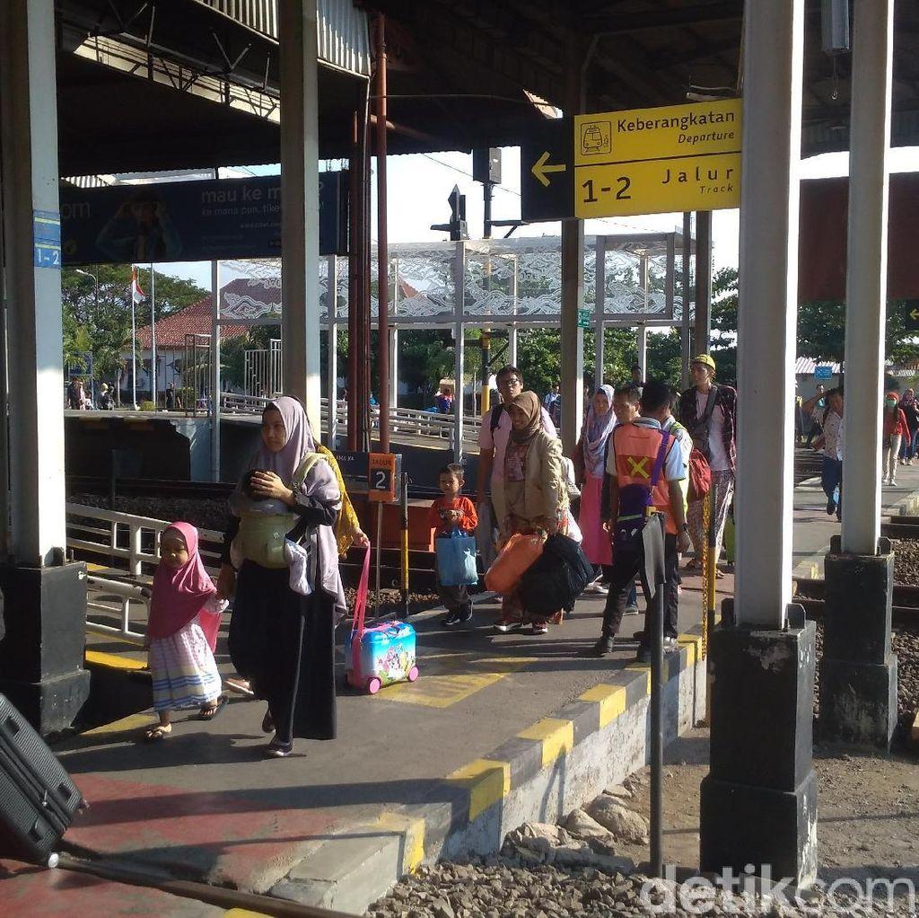 Daop 3 Cirebon Siagakan 352 Petugas Amankan Angkutan Nataru