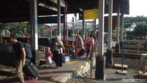 Daop 3 Cirebon Operasikan 4 KA Tambahan Selama Libur Nataru