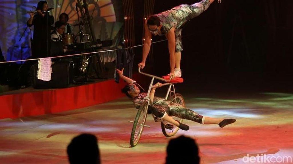 Kerennya The Great 50 Show, Kolaborasi Sirkus Tradisional dan Modern