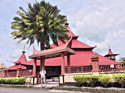 Masjid Berumur Ratusan Tahun dan Batu Ajaib di Riau
