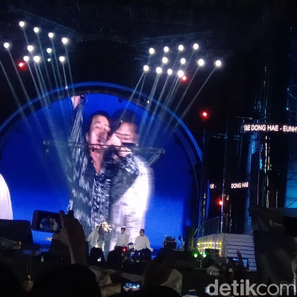 Eunhyuk dan Lee Dong-Hae Jadi Dimas dan Eko di HUT ke-17 Transmedia
