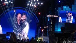 Annyeong! Donghae dan Eunhyuk Bikin Panas Panggung HUT Transmedia