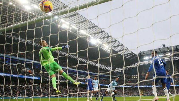 Striker Manchester City Gabriel Jesus cetak dua gol ke gawang Everton. (