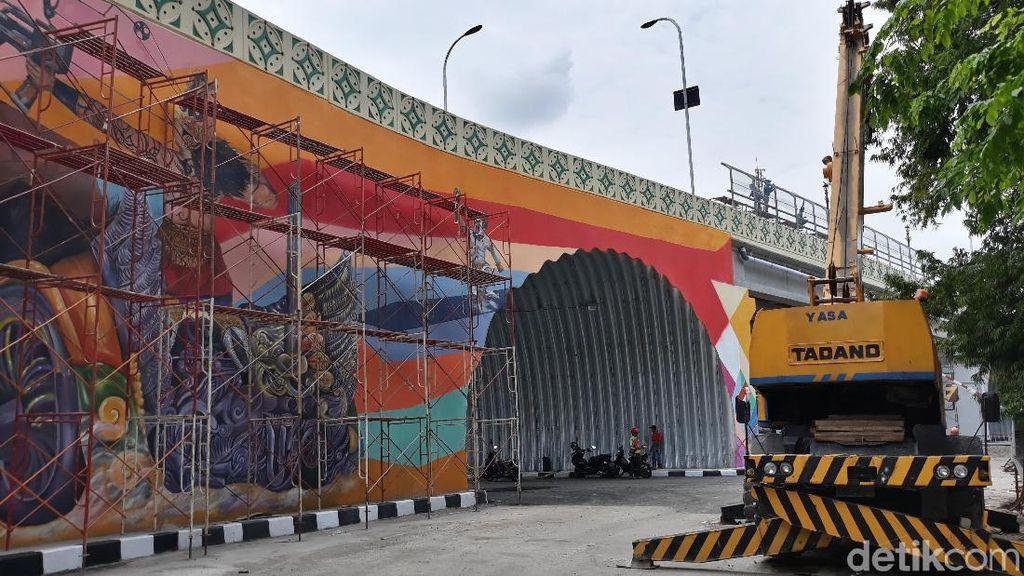 Kerennya Flyover Manahan Solo Berhiaskan Mural Klasik