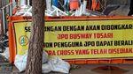 Foto: JPO Tosari Dibongkar Petugas