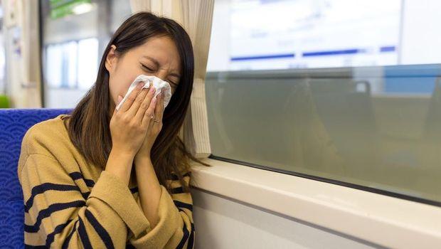 Cegah Penyebaran Virus Corona, Ini Etika Batuk dan Bersin di Tempat Umum