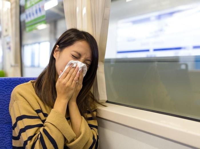 Alami Batuk Berdarah? Kenali Penyebab dan Pengobatannya Foto: Shutterstock