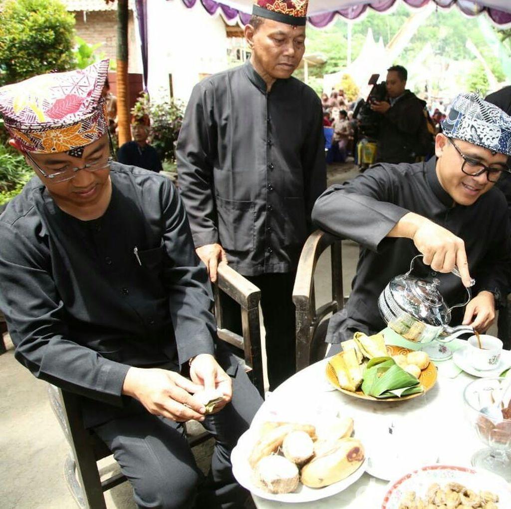 Nikmati Kudapan Tradisional Banyuwangi di Festival Sumping Kopi Pait