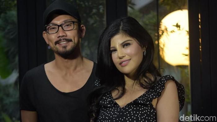 Dita Soedarjo dan Denny Sumargo memutuskan batal menikah. Foto: Pool