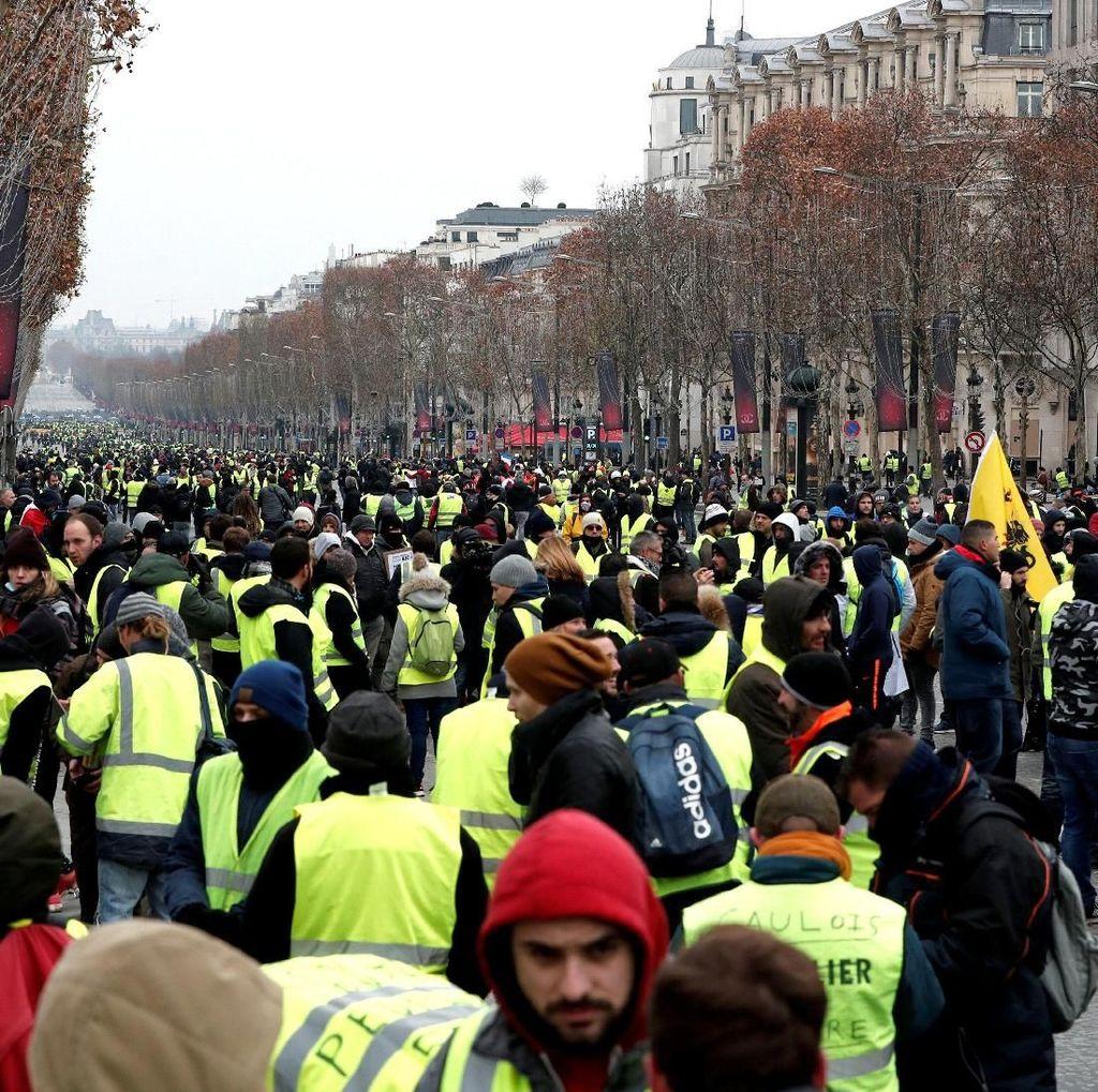 Ribuan Demonstran Rompi Kuning Kembali Beraksi di Prancis