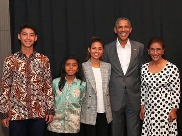 Wah, keren banget nihMenteri Susi Pudjiastuti dan keluarganya bertemu dengan Presiden ke-44 Amerika Serikat, Barack Obama. (Foto: Instagram @susipudjiastuti115)