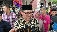 Massa Rayakan OTT Bupati Cianjur, Ridwan Kamil: Jaga Ketertiban