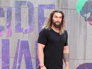Alasan Manis Jason Momoa Aquaman Bertahan dengan Rambut Gondrong