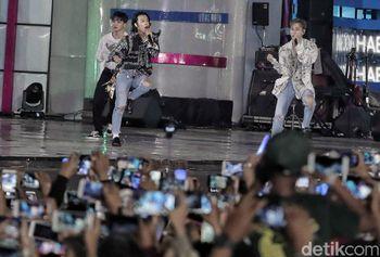Super Junior hingga Slank Panaskan Panggung HUT Transmedia Hari Kedua