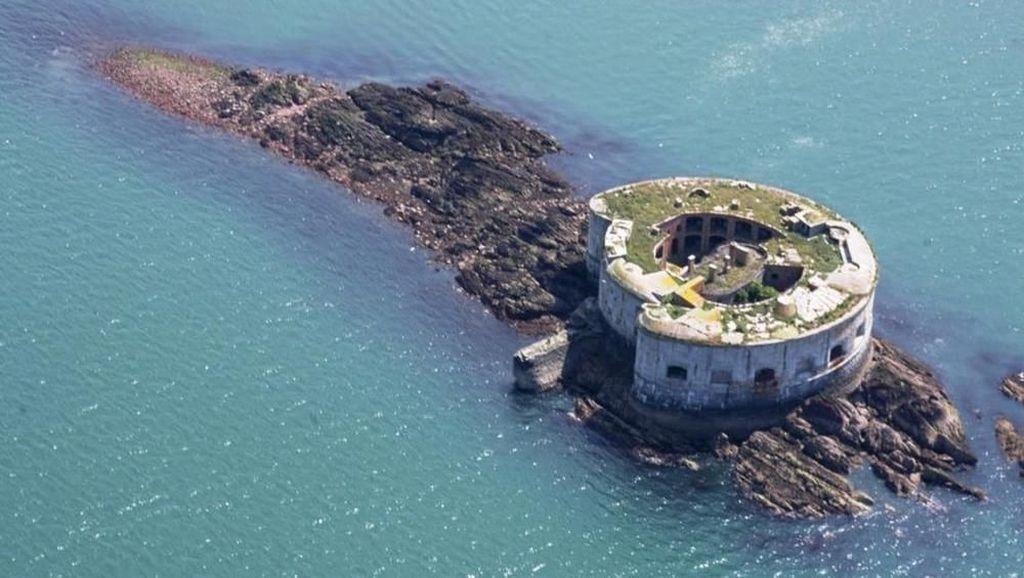 Dilengkapi Benteng Abad 18, Pulau Ini Dijual Rp 7 Miliar