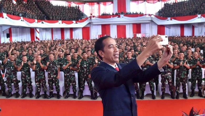 Jokowi Minta Babinsa Waspadai Perubahan Lanskap Politik